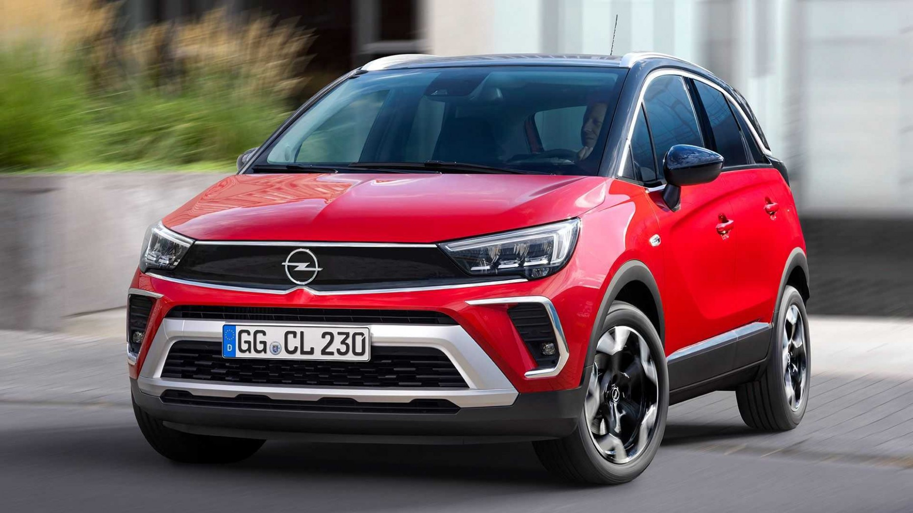 3 Opel Crossland Debuts With Updated Look, New Tech