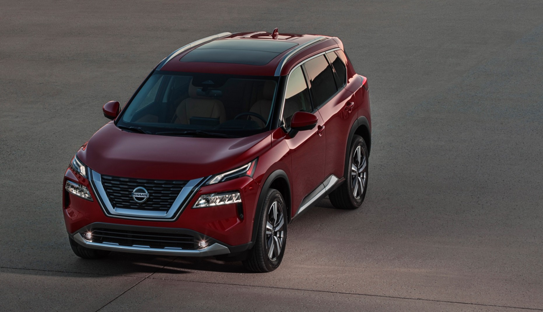 4 Nissan Rogue bows with premium look and features