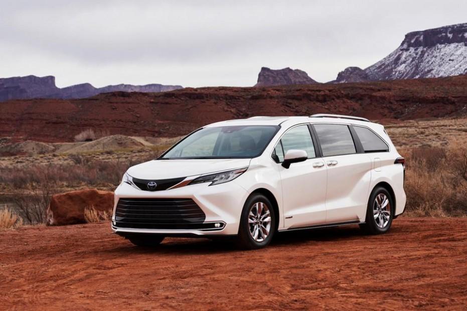 4 Toyota Sienna Hybrid Test Drive And Review: Minivan Muscle - Toyota Minivan 2021