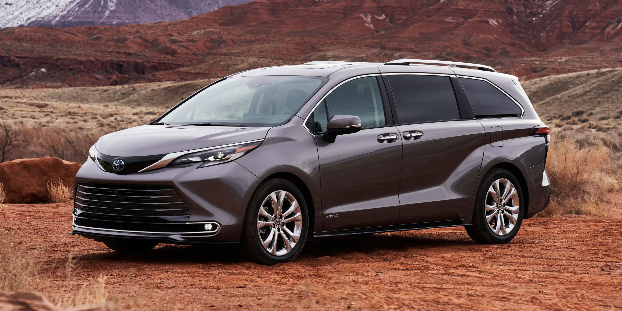 4 Toyota Sienna Review, Pricing, and Specs