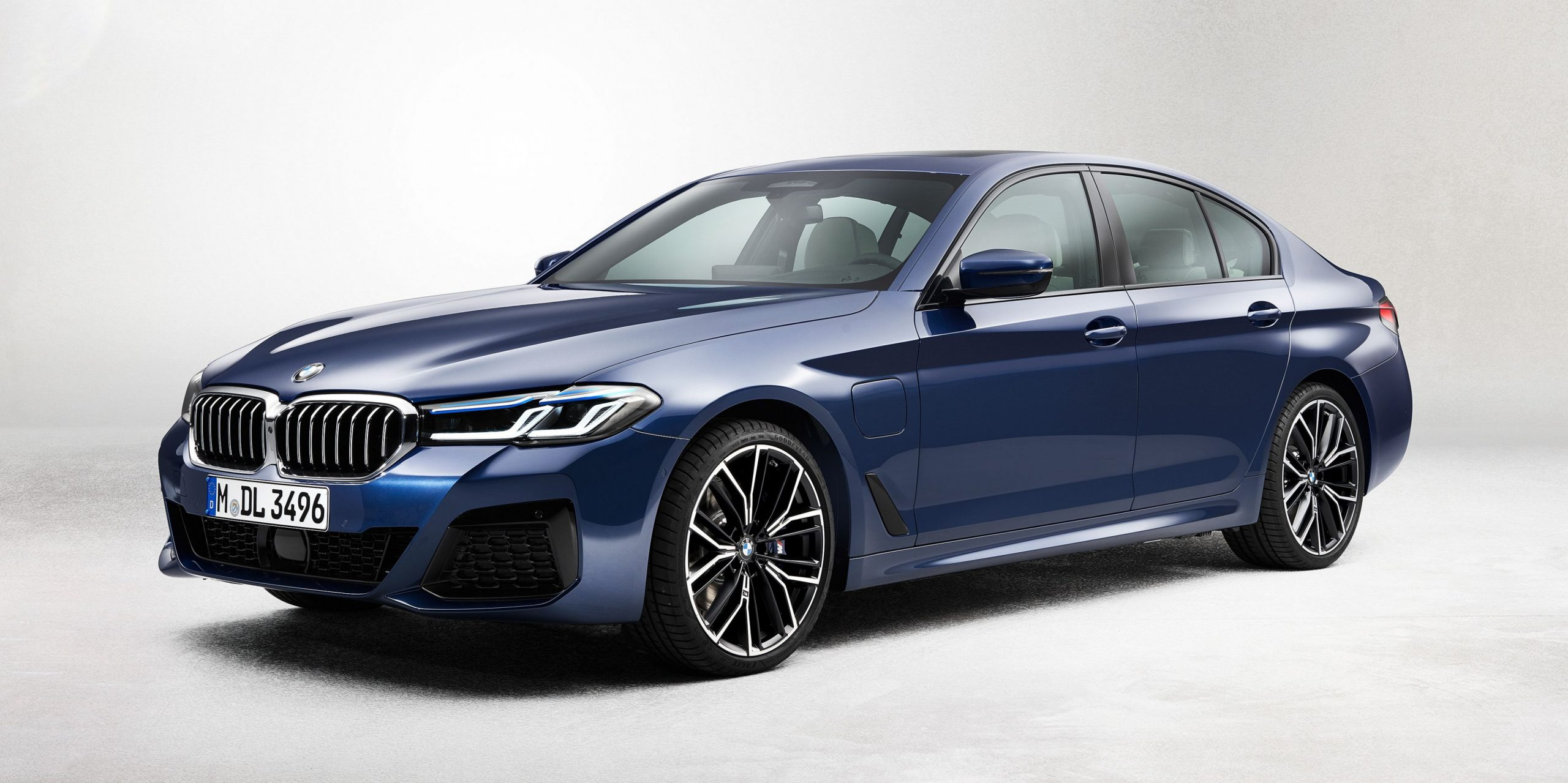 5 BMW 5-Series Gets New Tech and an Altered Look