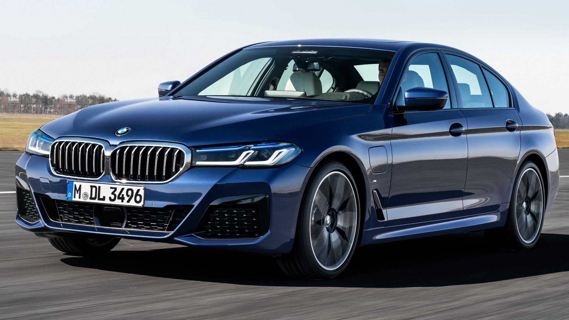 5 BMW 5 Series Packs Refreshed Design, New Electrified Powertrains - BMW New 5 Series 2021