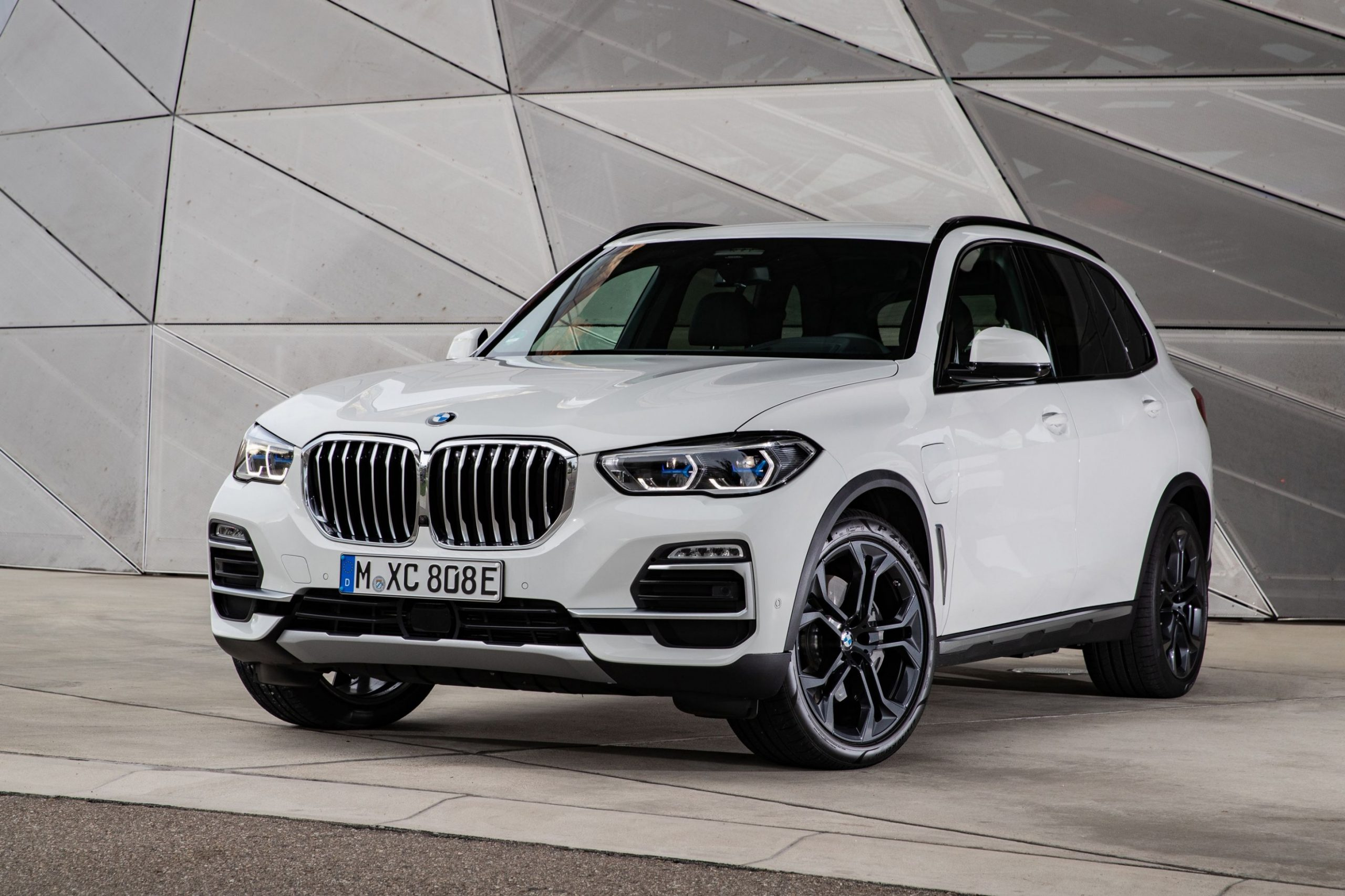 5 BMW X5 Review, Pricing, and Specs - BMW Truck 2021